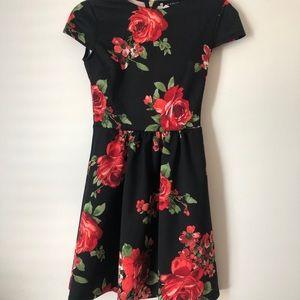 B. Darlin Womans Floral Dress